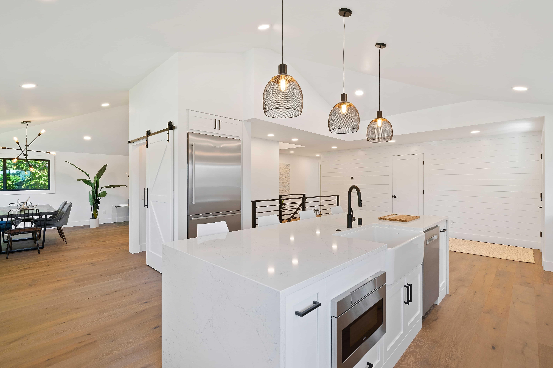 Buldi - Cuisine ouverte sur salon : comment harmoniser sa décoration ?